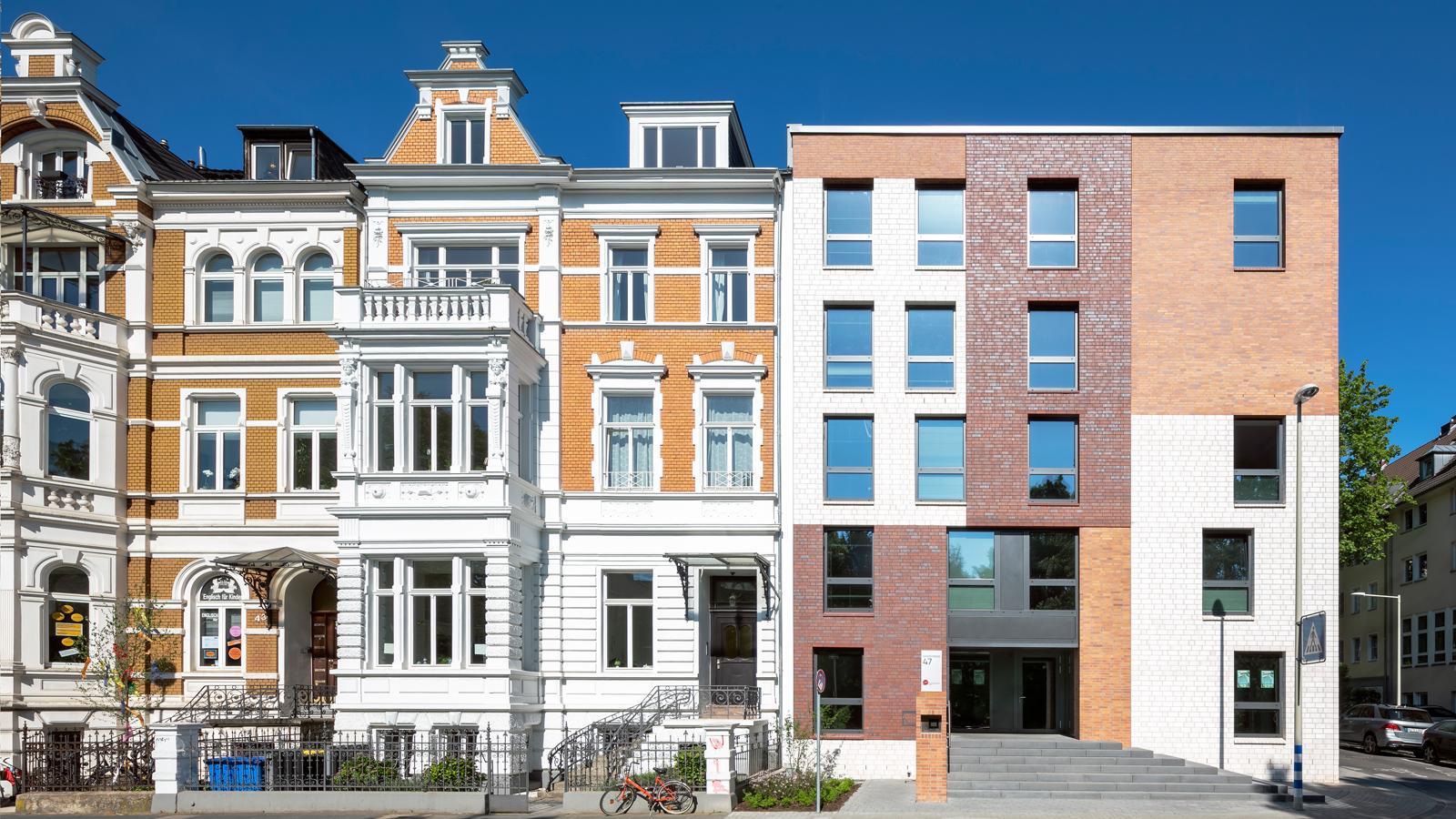 Architekt Bonn Studierendenwohnheim Kaiserstraße - 70 Apartments für Studierende in der Bonner Südstadt fertiggestellt. Koenigs Rütter Architekten Bonn.